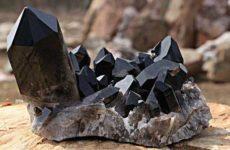 Раухтопаз — магический камень шоколадного цвета