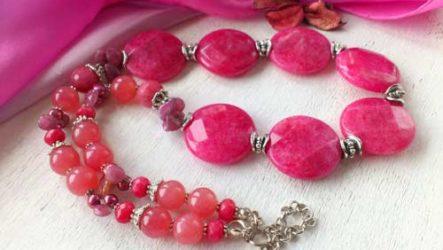 Камни розового цвета — виды и свойства