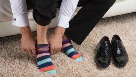 Приснились носки — толкование по сонникам